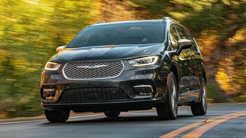 2021 Chrysler Pacifica Finally Gets an All-Wheel-Drive Model