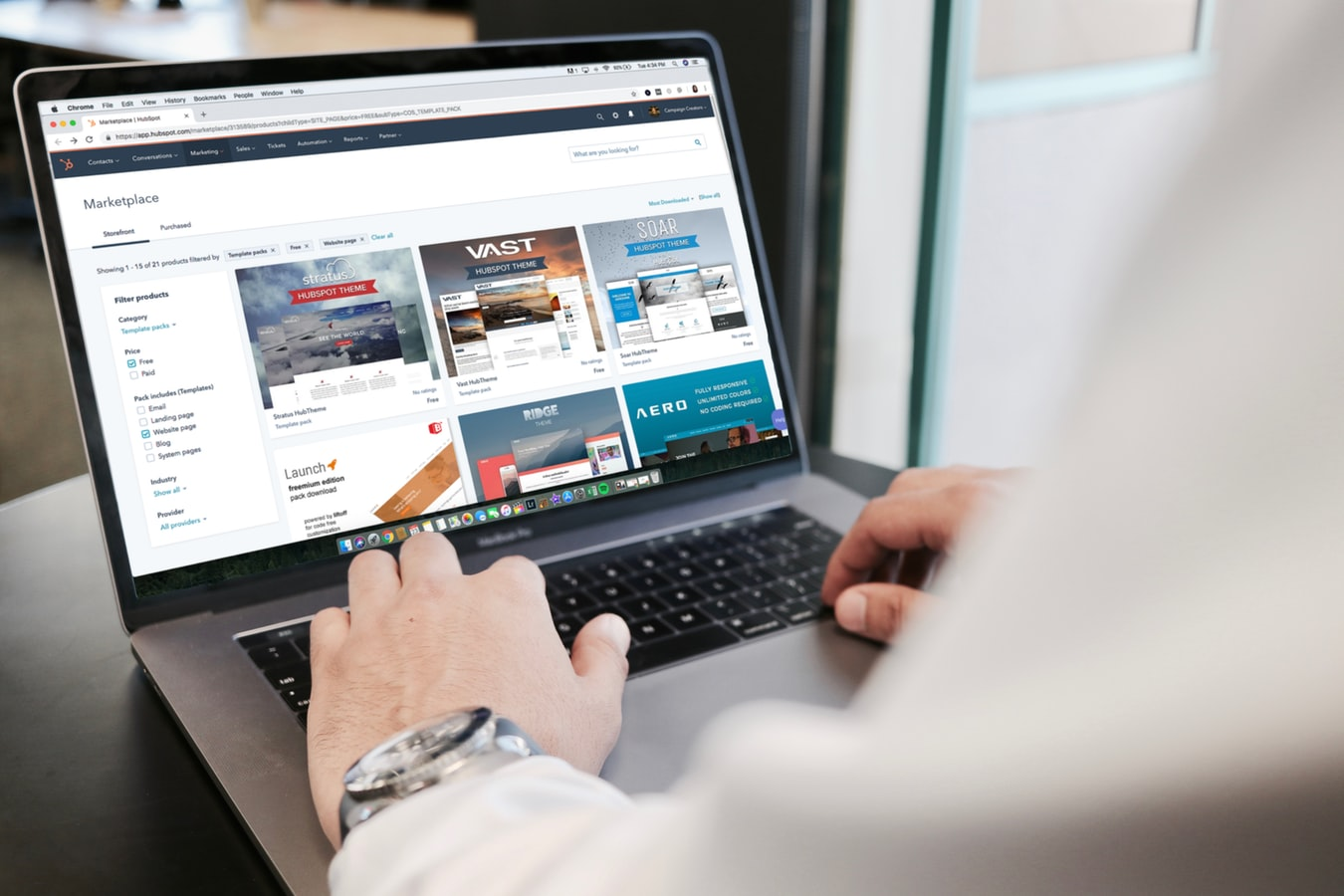 What Are the Different Options to Sell Your E-Commerce Website
