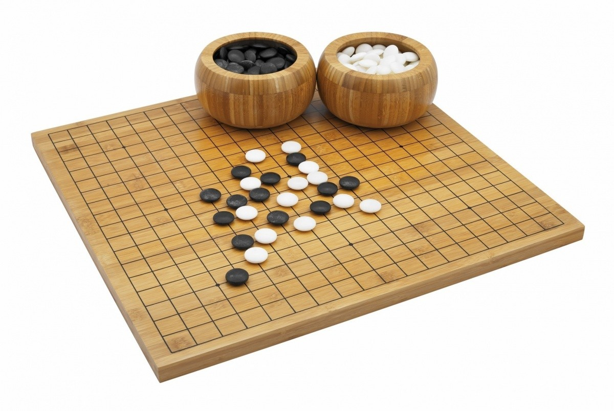 Why Are Traditional Board Games Still Prevalent In The Age Of High-end Games?