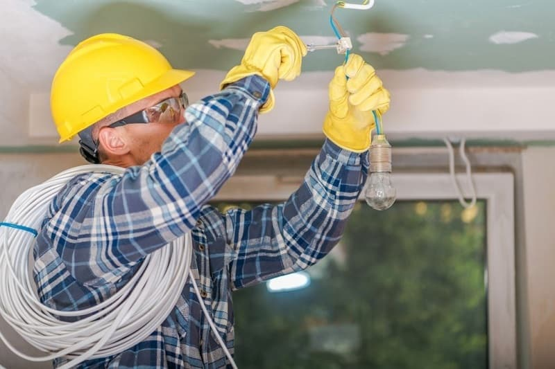 Various Services Offered By The Commercial Electricians