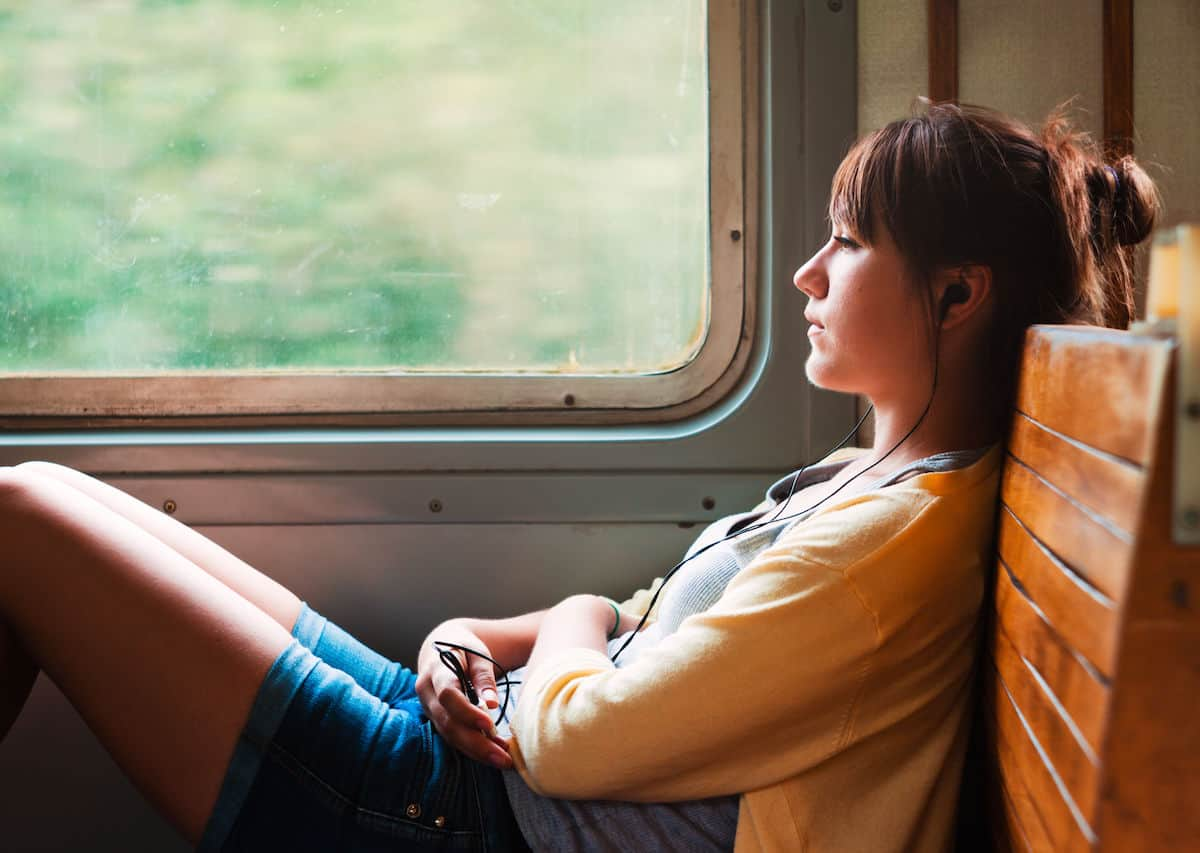 Tips to Avoid Feeling Homesick While Traveling
